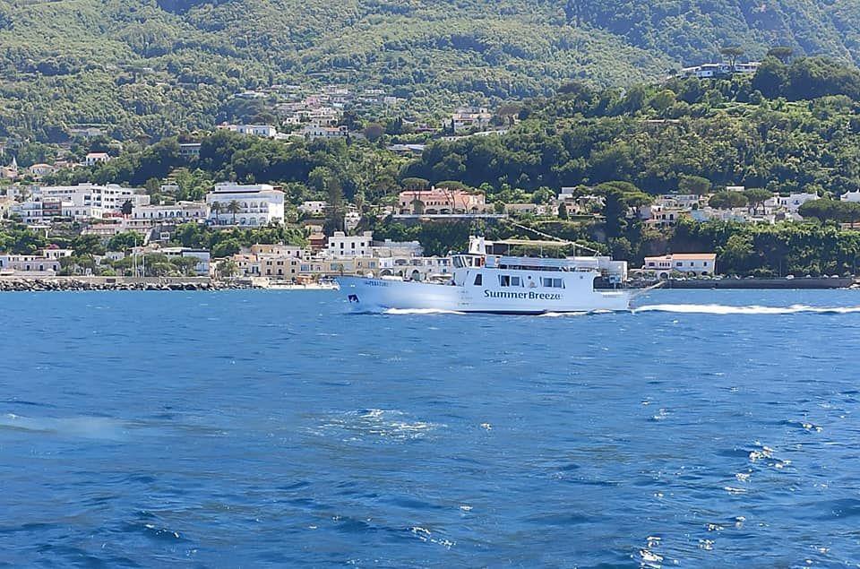 3 hodinová plavba na výletní lodi kolem Ischie s koupáním